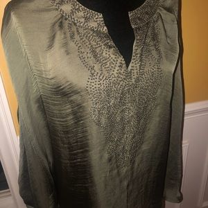 Flawless Brand NWT Stunning silk shimmering Size S